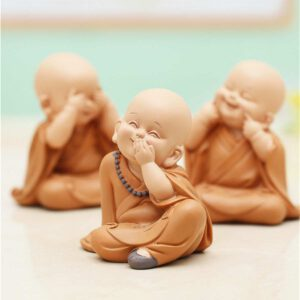 Little Monk Sculpture Resin Hand-Carved Buddha Statue Home Car Decoration Accessories Gift Small Buddha Statue Creatives Shaolin